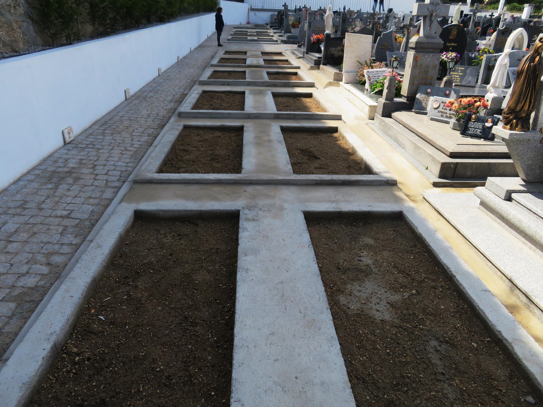 Atães cemetery enlargment