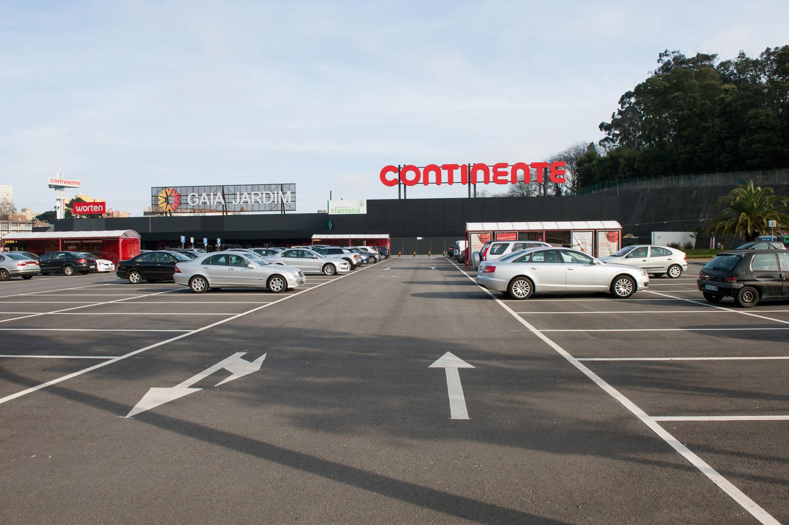 Repavimento do Parque de Estacionamento Hipermercado Gaia Jardim