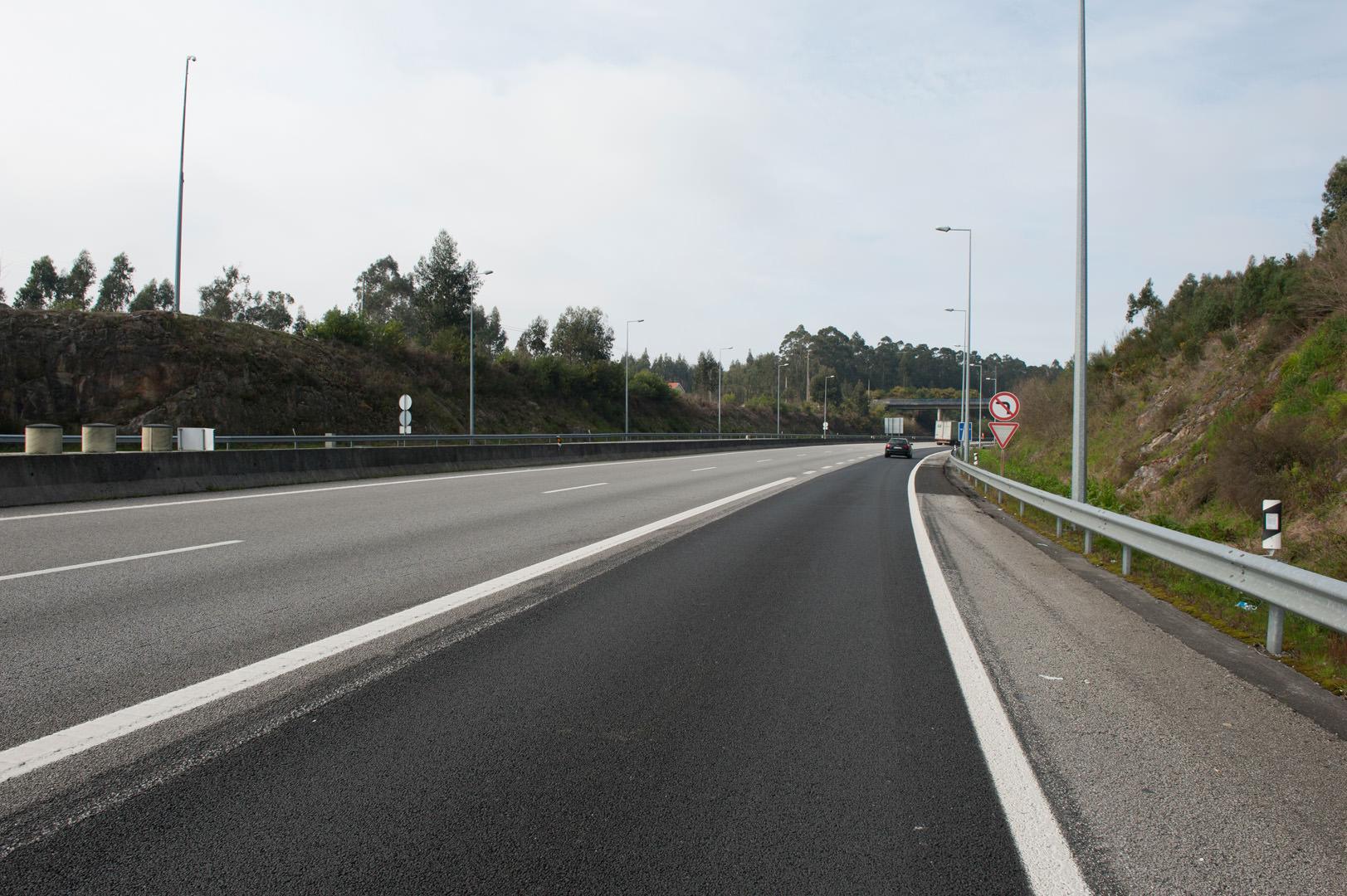 Requalificação Empreitada de Beneficiação do Pavimento A28 e A27